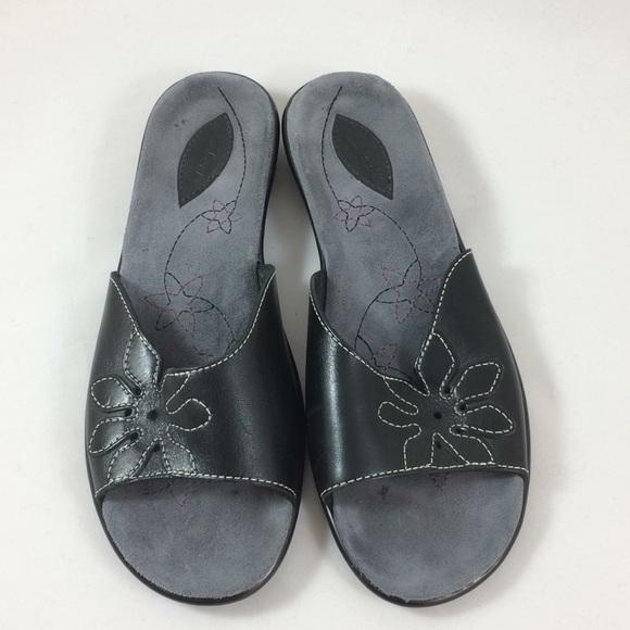 39676b859e01 Clarks Shoes - Clarks black leather flat sandals